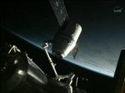 Tàu Dragon rời vũ trụ về Trái Đất