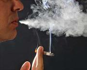 Bố hút thuốc, con dễ bị ung thư
