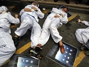 Lạm dụng lao động tràn lan tại nhà máy của Apple