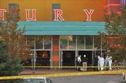 Xả súng trong rạp chiếu phim ở Mỹ, hơn 50 người thương vong