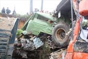 Xe khách đấu đầu xe tải, 3 người tử vong tại chỗ