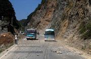 Động đất phá hủy hàng chục nghìn ngôi nhà ở Trung Quốc