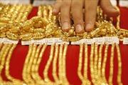 Thị trường vàng tuột dốc
