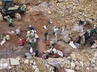 Bùng phát khai thác vàng trái phép tại Bồng Miêu, Quảng Nam