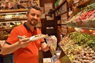 Thăm chợ gia vị nổi tiếng thành Istanbul