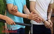 Sơn La: Bắt hai đối tượng vận chuyển 10 bánh heroin bằng xe máy