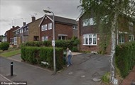 Bất ngờ thấy hình ảnh người mẹ quá cố tưới cây trên Google Street View