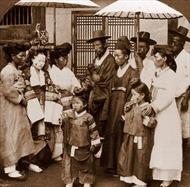 Ngắm bộ ảnh Triều Tiên thanh bình thời không tên lửa, hạt nhân
