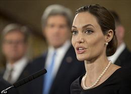Angelina Jolie thành chính khách Hội nghị G8