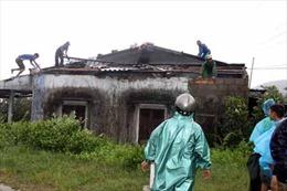 Bộ đội giúp dân đối phó 'giặc' bão