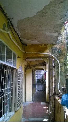 Cám cảnh chung cư cũ Hà Nội