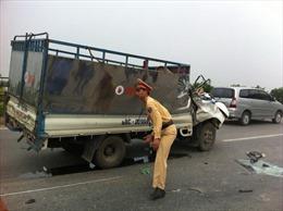 Lật xe giường nằm, ách tắc Quốc lộ 2 Tuyên Quang
