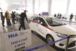 Lộn xộn taxi tại Nhà ga T2 Nội Bài