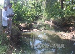 Xử lý sự cố dầu điều tràn xuống suối Tầm Vông