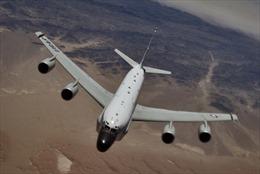 Chiến đấu cơ Trung Quốc tạt ngang đầu phi cơ do thám Mỹ