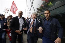 Ban quản trị Air France bị nhân viên xé áo tơi tả