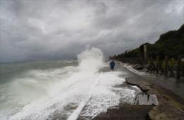Cơn bão mới Onyok hướng vào Philippines