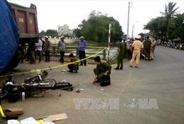 Va chạm giữa ô tô khách và xe máy, 2 người tử vong