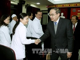 Chủ tịch MTTQ Nguyễn Thiện Nhân tri ân các thế hệ thầy thuốc Việt Nam