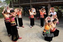 Góp sức bảo tồn văn hóa dân tộc Thái Tây Bắc