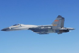 Chiến đấu cơ Trung Quốc chặn máy bay do thám  Mỹ trên Biển Đông