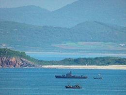 Hàn Quốc bắn cảnh cáo tàu Triều Tiên vượt hải giới