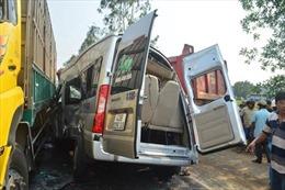 """Mối lo tai nạn khi """"khoán trắng"""" cho lái xe"""