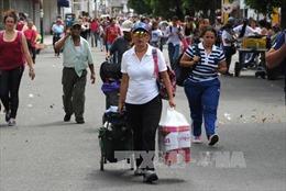Venezuela cho phép tiếp tục thu thập chữ ký để trưng cầu dân ý