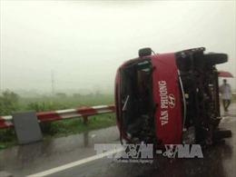 Tạm giữ hình sự tài xế xe khách bị lật ở Pháp Vân - Cầu Giẽ