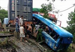 Tai nạn giao thông liên hoàn ở Hòa Bình, 4 người thương vong