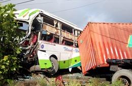 Tin thêm về vụ tai nạn giao thông làm 17 người thương vong tại Bến Tre