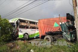 Khắc phục hậu quả vụ tai nạn giao thông tại Bến Tre