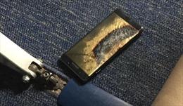 Samsung Note 7 bốc khói, máy bay Mỹ sơ tán khẩn