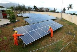 Điện mặt trời đang chờ chính sách