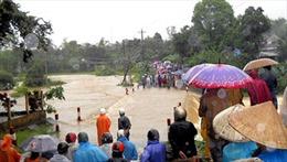 Mưa lớn kéo dài, huyện Nam Trà My bị cô lập hoàn toàn