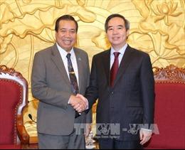 Đồng chí Nguyễn Văn Bình tiếp Đoàn Ban Phát triển nông thôn Lào