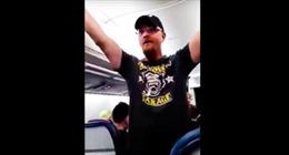 """Hành khách """"cuồng"""" ông Trump bị cấm bay cả đời"""