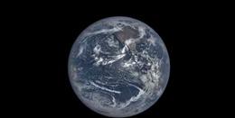Chỉ với hai phút, thỏa thích ngắm Trái Đất trong một năm từ vũ trụ