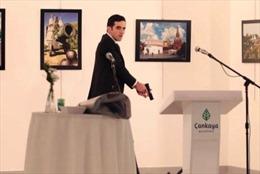 Lời kể của nhiếp ảnh gia ghi lại cảnh ám sát Đại sứ Nga