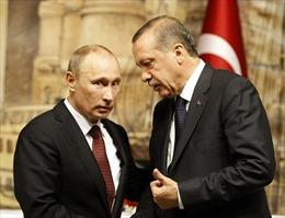 """Giải mã việc Thổ Nhĩ Kỳ """"chia tay"""" Mỹ và """"ngả sang"""" Nga"""