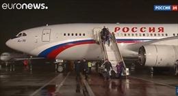 35 nhà ngoại giao Nga bị Mỹ trục xuất đã về tới Moskva