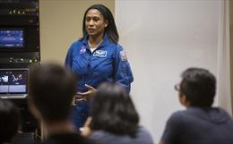 Du hành gia người Mỹ gốc Phi đầu tiên lên ISS