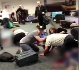 Hành khách hoảng loạn tại hiện trường vụ xả súng sân bay Florida