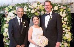 Hậu tiệc chia tay, Tổng thống Obama làm phù rể cho nhân viên