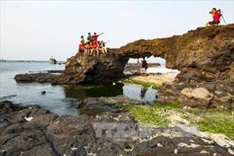 Lý Sơn tăng cường khai thác tiềm năng du lịch níu chân du khách