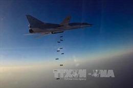 6 máy bay ném bom tầm xa Nga tấn công IS ở Syria