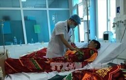 Thêm 4 người ngộ độc rượu phải cấp cứu ở Lai Châu