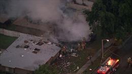 Máy bay Mỹ đột ngột phi thẳng xuống nhà dân, bốc cháy dữ dội