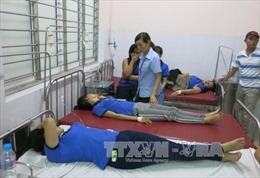 Hàng trăm công nhân ở Bình Dương có dấu hiệu ngộ độc phải nhập viện