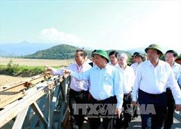 Thủ tướng thăm bà con xã Khuê Ngọc Điền, huyện Krông Bông, Đắk Lắk